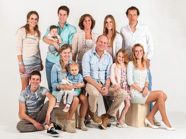 Studio portretten van de familie Hazeleger